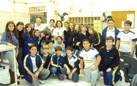 Os alunos visitam a Agência de Correios